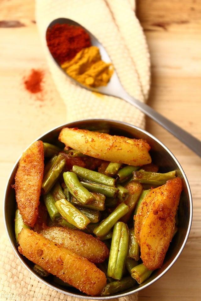 Aloo Beans Recipe, How to make Punjabi Aloo Beans Recipe