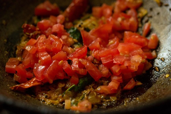 tomatoes for restaurant style dal fry