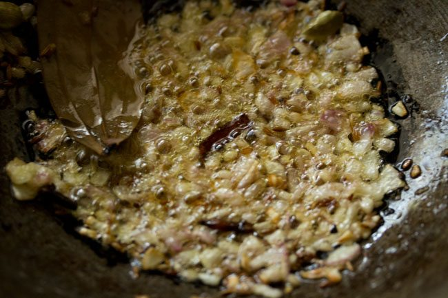 onions for dhaba style dal fry recipe