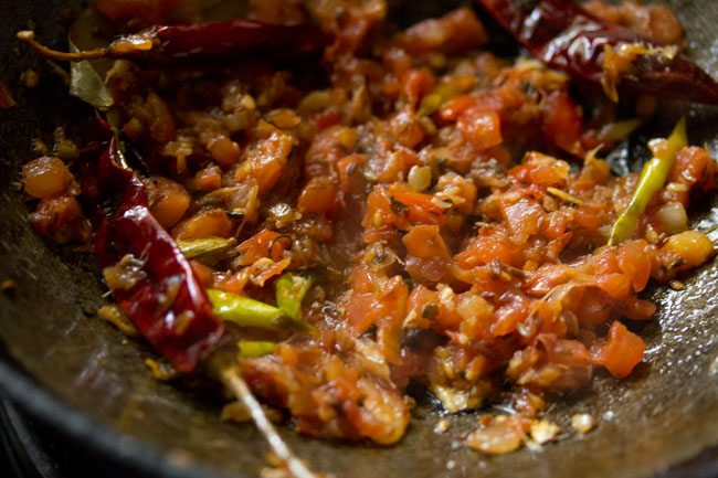tomatoes for dhaba style dal fry recipe