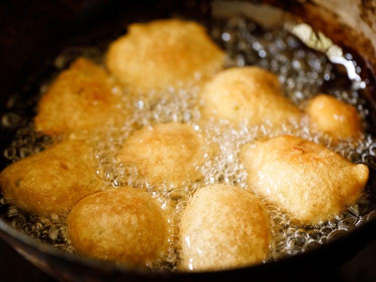 gulgule being fried