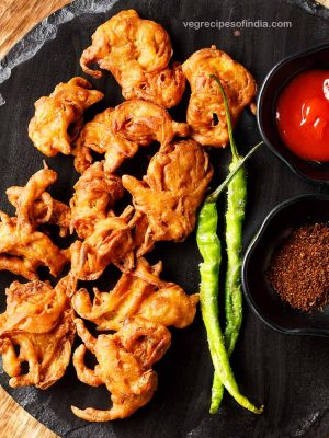 onion pakoda recipe, how to make onion pakoda | onion pakora