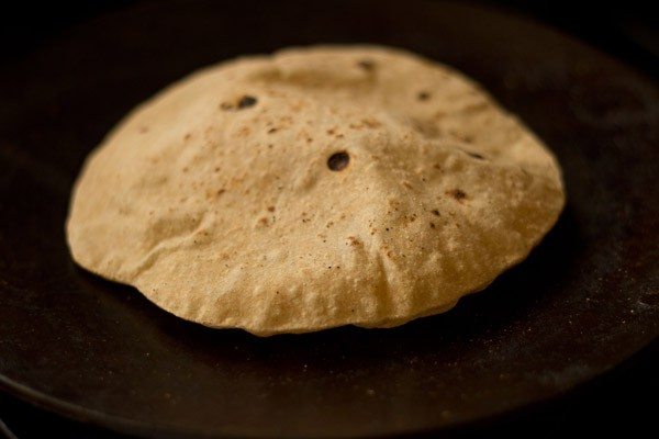 roti puffed up on tava