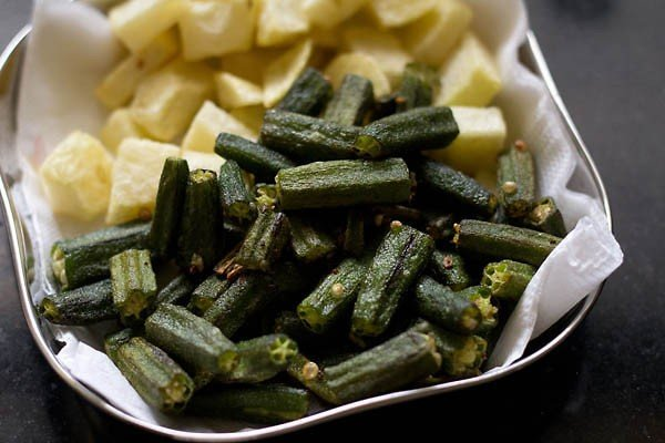 fried aloo bhindi