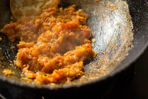 making aloo bhindi recipe, making aloo bhindi sabzi