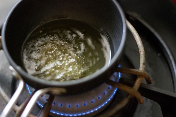 tempering for nariyal chutney recipe