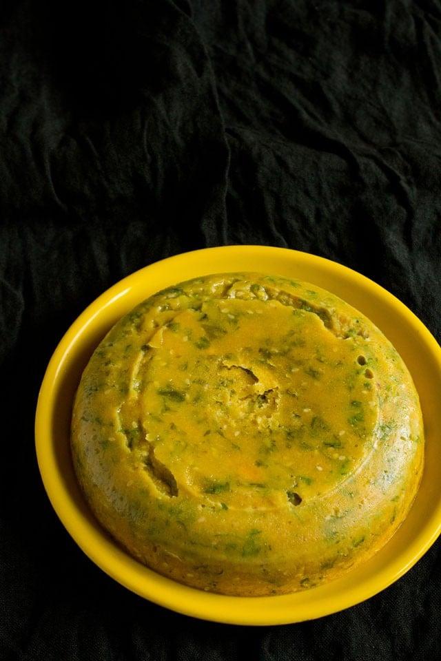 steamed kothimbir vadi in the microwave