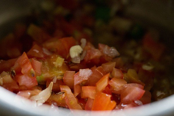 tomatoes for lobia masala recipe