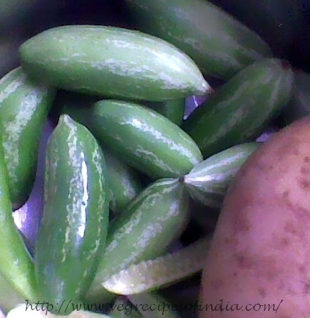 tendli tindora gherkins for Tendli Aloo Recipe