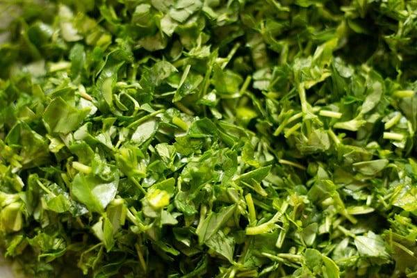 chop methi or fenugreek leaves
