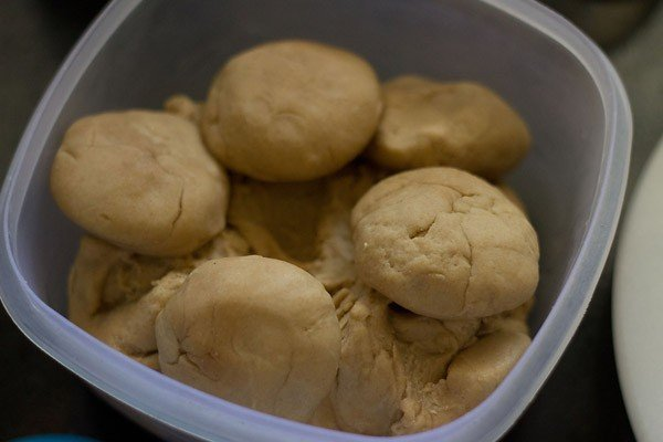 dough for making lachedar paratha recipe