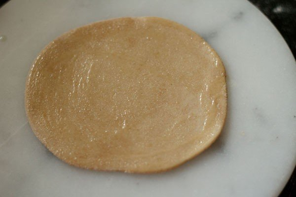 rolling paratha
