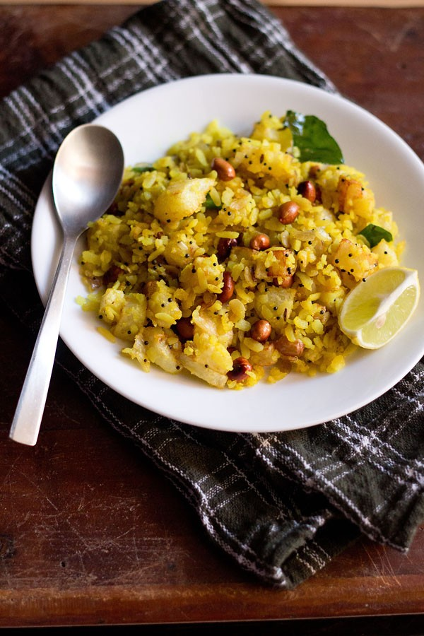 poha recipe, how to make aloo poha recipe, batata poha recipe