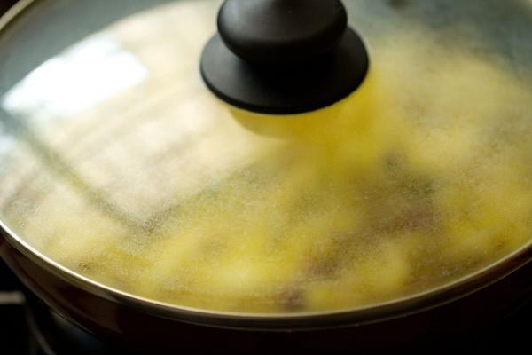 making batata poha recipe