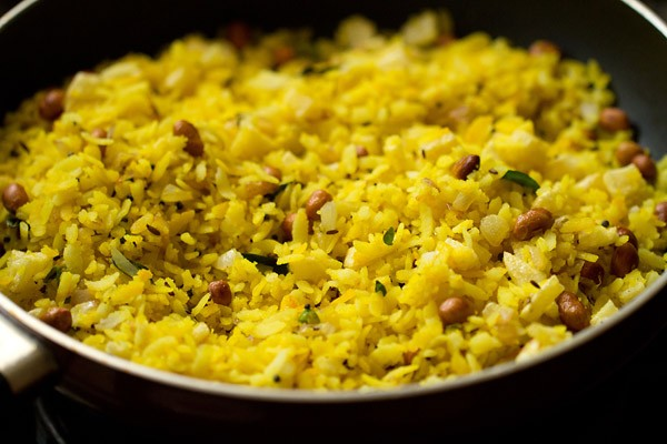 batata poha recipe, aloo poha recipe, potato poha recipe