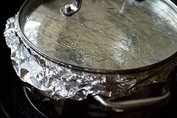 biryani pan covered with lid