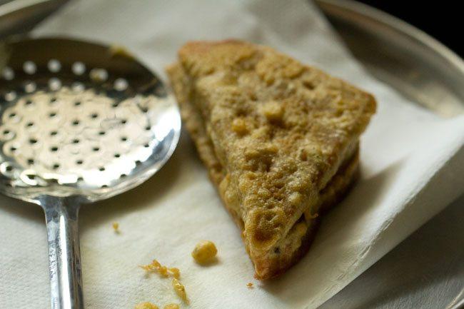 aloo bread pakoda recipe