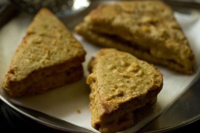 stuffed potatoes bread pakoda recipe
