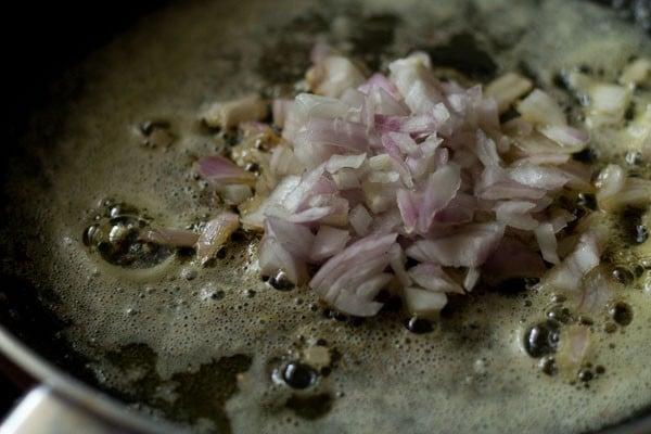 onions for dhingri dolma recipe