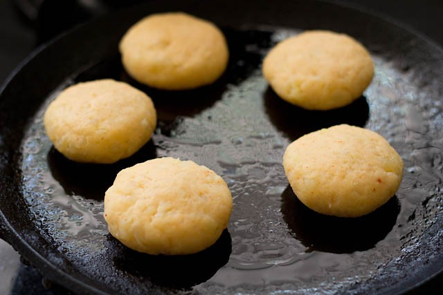 making ragda patties recipe