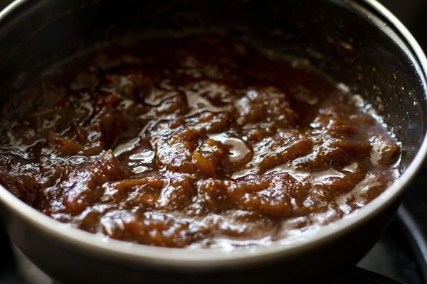 making tamarind date chutney recipe