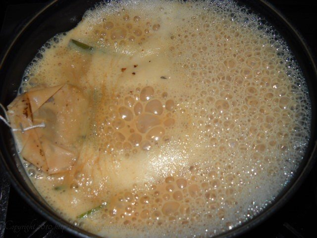 boiling the galangal lemongrass tea