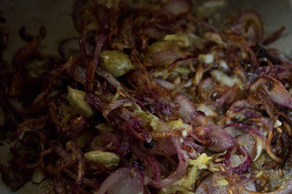 garlic for preparing mushroom pulao recipe