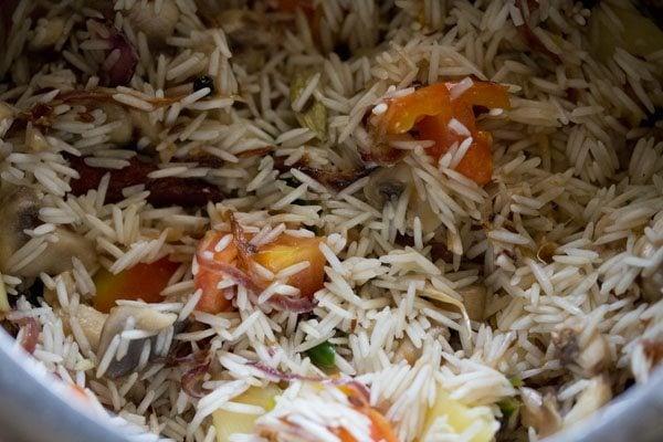 rice to make mushroom pulao recipe