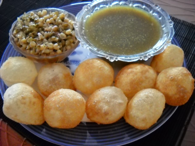 pani puri with sprouted moong mung beans