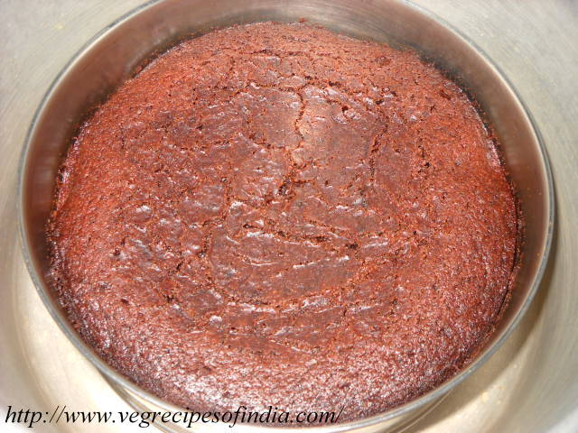Eggless Chocolate Cake Recipe In Pressure Cooker With Icing