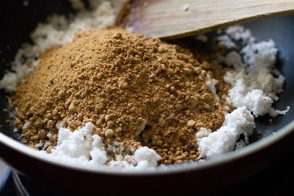 add jaggery - making ukadiche modak