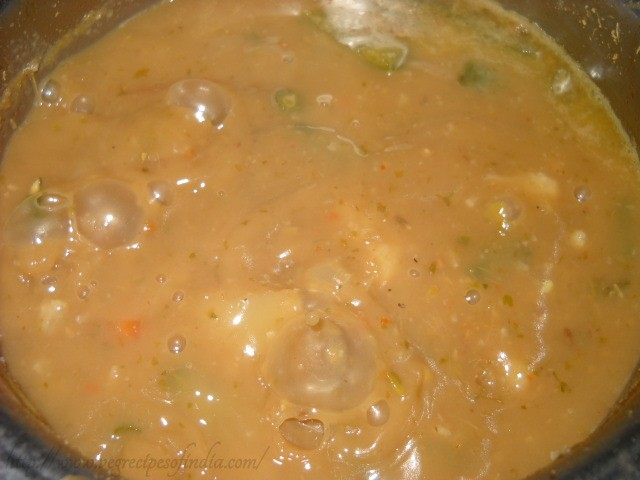 boiling the green thai curry