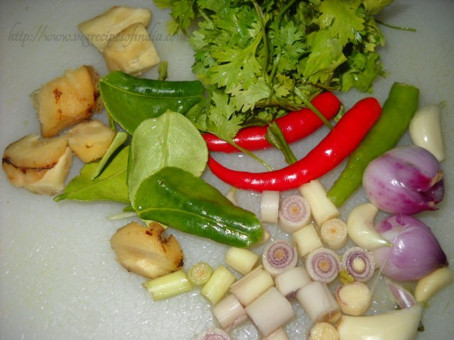 herbs to be grounded for thai veg curry