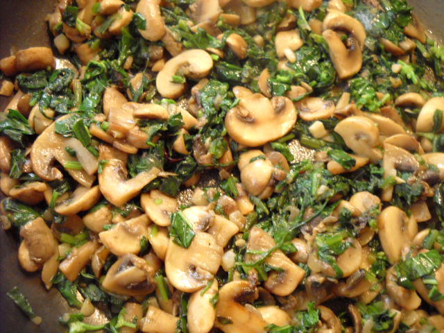 preparing mushroom spinach recipe