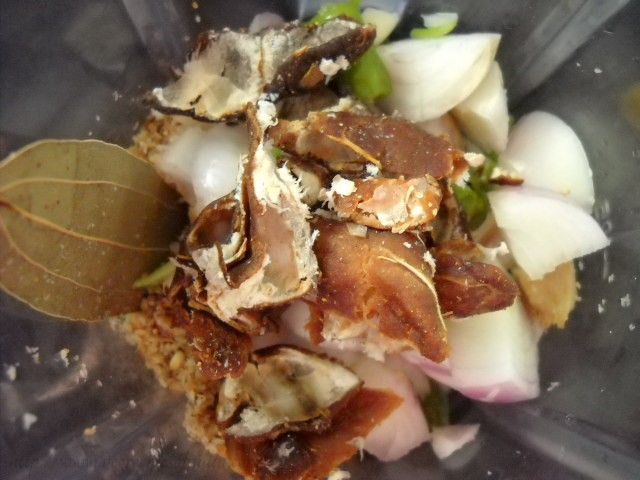 tamarind with masala for bagara baingan recipe