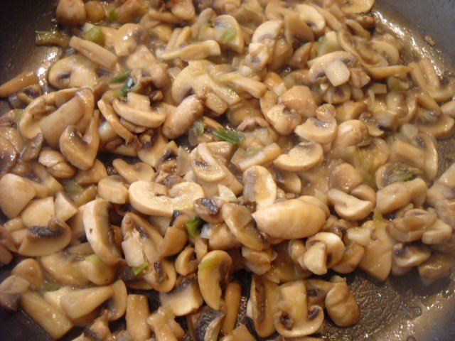 mushrooms for mushroom spinach recipe
