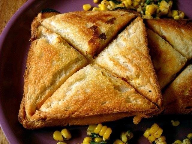 corn cheese toast sandwich, easy corn cheese toast sandwich recipe