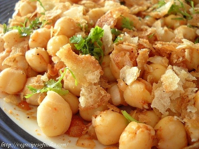 chana chaat recipe or white chickpeas chaat, how to make chana chaat