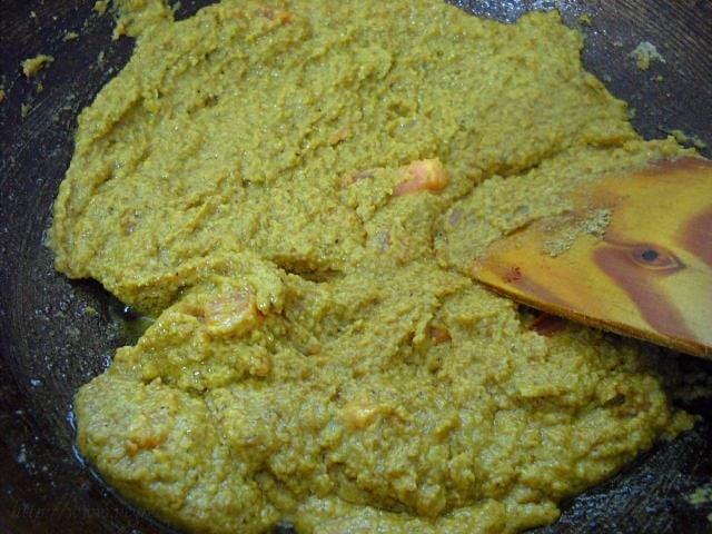 frying spices for bharli vangi