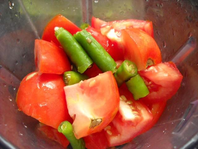 green chili with tomatoes to make tomato rice recipe