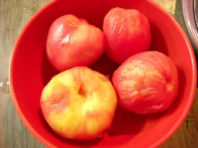 peeled blanched tomatoes for veg borscht soup recipe