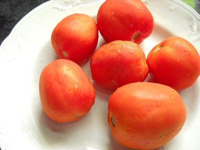 tomatoes for tomato rice recipe