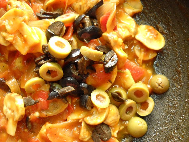 olives for tomato mushroom penne pasta recipe