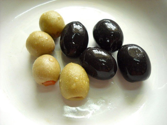 olives for tomato mushroom penne pasta recipe