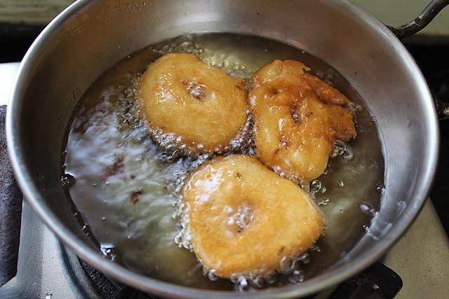 frying medu vada