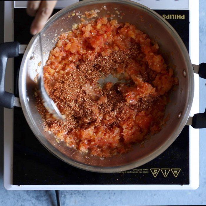 making restaurant style kadai paneer recipe
