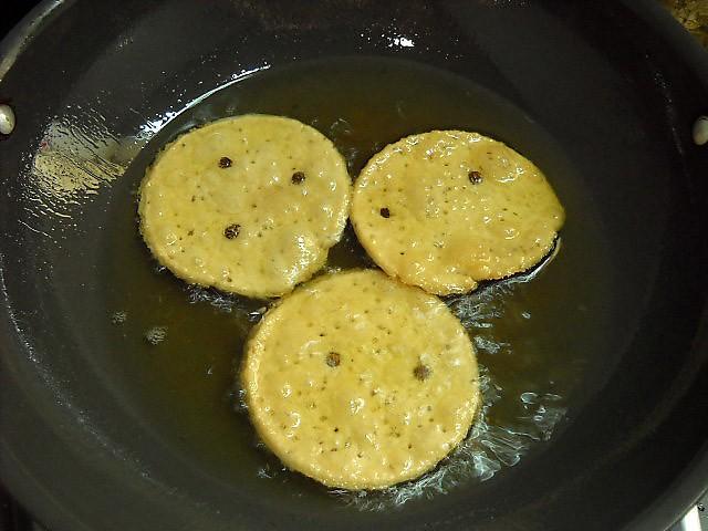 frying mathri - punjabi mathri recipe