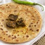 paneer-paratha-with-mango-pickle