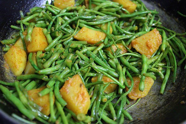 spices for aloo moongre ki sabzi recipe