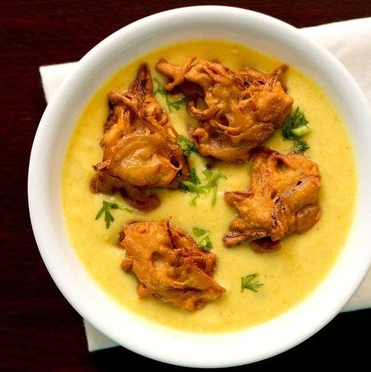 kadhi recipe, punjabi kadhi pakora recipe, kadhi chawal recipe